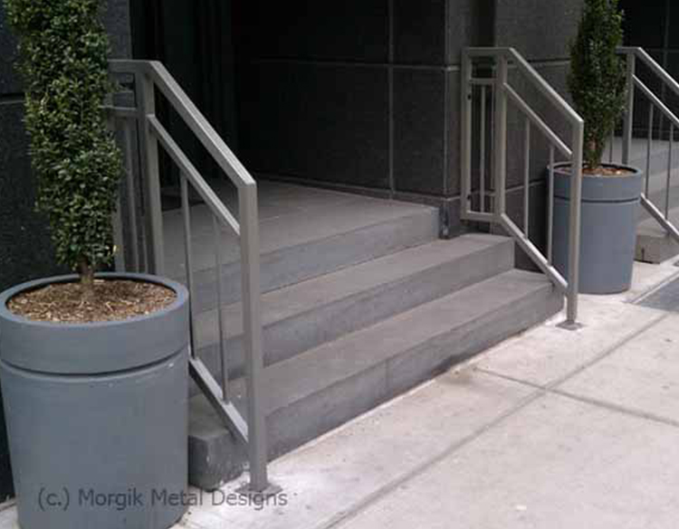 custom_steel_exterior_railing_cw