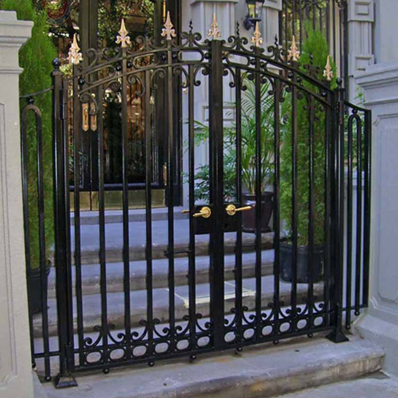 CUSTOM MT DOOR GATE